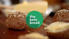 Äter du LCHF och saknar bröd? Då kommer du att tycka om det här. Av mer än 500 recept på vår sida är det här det allra populäraste: LCHF-frallor.