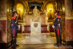 O mausoléu do General San Martin está localizado na Catedral Metropolitana de Buenos Aires que fica na Praça de Maio e é um ponto turístico obrigatório... Leia mais http://preview.is/1bMxYgc #BsAs