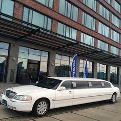 Lincoln Continental Towncar Limousine