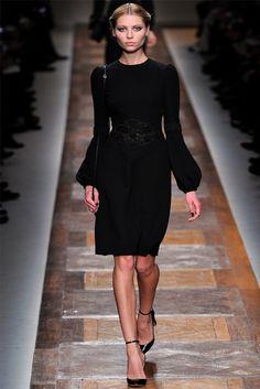 Sfilata Valentino Parigi - Collezioni Autunno Inverno 2012-13 - Vogue