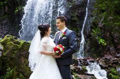 Brautpaar-Shooting am Wasserfall im Schwarzwald Beautiful, Wedding Dresses, Fashion, Newlyweds, Ideas, Bride Dresses, Moda, Bridal Gowns, Fashion Styles