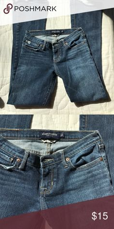 Abercrombie kids jeans 💙💙 girls Abercrombie jeans. Slim. Great shape💙💙 Abercrombie & Fitch Bottoms Jeans