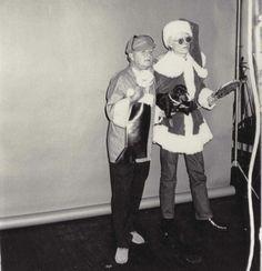 Le vacanze di #Natale si avvicinano e qui mettiamo in palio ogni giorno 22 biglietti omaggio per la mostra di #Warhol a Palazzo Blu Pisa