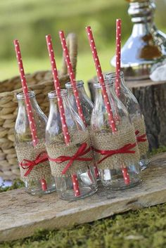 Woodland Birthday Party drinks with burlap and polka dot straws! See more party… Birthday Party Drinks, Picnic Birthday, Picnic Theme, Picnic Parties, Picnic Party Decorations, Birthday Ideas, Outdoor Parties, Farm Party, Tea Party