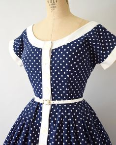 Vintage Fashion navy blue polka dot cotton dress with wide neck, capped sleeves, fit and flare design with pockets! Size S - Vintage Dresses Online, Vintage Summer Dresses, Vintage Inspired Dresses, Vintage Outfits, Vintage Fashion 1950s, Mode Vintage, Retro Fashion, Womens Fashion, Cotton Dresses