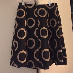 Banana Republic Black and Tan Skirt NWT Banana Republic Black and Tan Skirt. Size 0. New with tags! Perfect condition. Selling OBO Banana Republic Skirts Midi