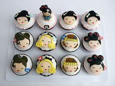 Google Image Result for http://cdn.buzznet.com/assets/users16/sylvscothran/default/harajuku-lovers-cupcakes--large-msg-130110343185.jpg