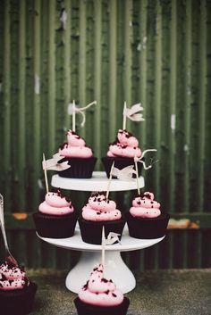 Chokladcupcakes med hallonfrosting