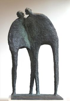 As esculturas de Bob Quinn esperam por seu olhar