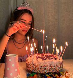 Cute Birthday Cakes, 19th Birthday, Birthday Photos, Birthday Bash, Happy Birthday, Cute Birthday Pictures, Birthday Ideas, Elsa Birthday, Birthday Goals