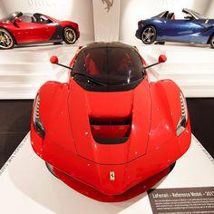 Lols distortion #Ferrari #laferrari