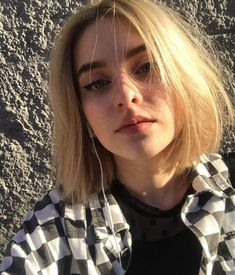 Lazy Hairstyles Round Face is part of Flattering Hairstyles For Round Faces Byrdie Com - Haircuts For Fine Hair, Hairstyles For Round Faces, Hairstyles With Bangs, Pretty Hairstyles, Girl Hairstyles, Grunge Hairstyles, 90s Grunge Hair, Short Grunge Hair, Hair Inspo