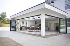 Burghfield House Best Picture For pergola patio For Your Taste You are looking for something, and it Casa Patio, Backyard Patio, Patio Roof, Garden Pool, House Extension Design, House Design, Casa Kids, Open Plan Kitchen Living Room, Outdoor Pergola