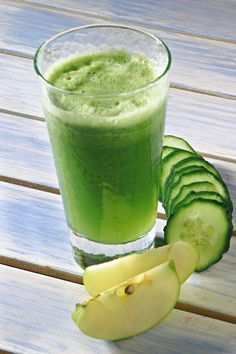 I centrifugati per rimettersi in forma - Ricette di salute - Donna Moderna Healthy Green Smoothies, Healthy Drinks, Healthy Food, Fruit Drinks, Detox Drinks, Detox Recipes, Healthy Recipes, The Chai, Juice Plus