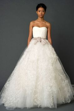 the most beautiful wedding dress ever!  #verawang