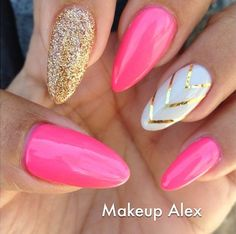 Pink and Gold Stiletto Nails! Come to Luxury Spa & Nails for all of your pamper. Pink and Gold Stiletto Nails! Fancy Nails, Trendy Nails, Cute Nails, Pink Stiletto Nails, Gold Glitter Nails, Coffin Nails, Gold Manicure, Glitter Makeup, Pink Sparkle Nails