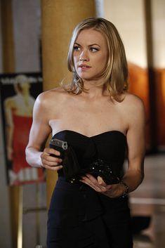 Chuck Tv Show, Sarah Walker, Yvonne Strahovski, Most Beautiful, Tv Shows, Romantic, Actors, Princess, People