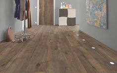 H1003 Valley Oak Mocca is a dark wood with a natural, authentic look. It is also available in laminate for doors, furniture and worktops.