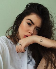 Smile Tumblr, Tumblr Selfies, Foto Instagram, Instagram Feed, Piercing No Rosto, Emo Scene Hair, Beauty Around The World, Selfie Poses, Aesthetic Girl