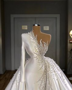 "Valdrin Sahiti on Instagram: ""#valdrinsahitiofficial #valdrinsahitiii #valdrinsahitiskopje"" Princess Wedding Dresses, Best Wedding Dresses, Country Wedding Dresses, Colored Wedding Dresses, Event Dresses, Ball Dresses, Ball Gowns, Formal Dresses, Bridal Outfits"