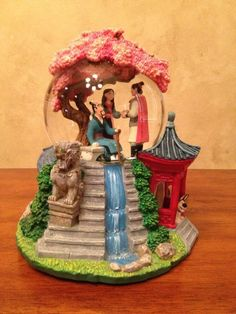 *** SOLD *** Disney Mulan Snowglobe Retired at Collectors Quest # colle . - First birthdays - Disney Disney Love, Disney Art, Disney Pixar, World Disney, Disney Snowglobes, Disney Rooms, Disney Ornaments, Disney Figurines, Disney Merchandise