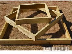 DIY: How to Build A Sturdy Three Tiered Raised Garden Box Tight on space? Hit diy garden box DIY: How to Build A Sturdy, Three Tiered, Raised Garden Box Tight on space? Strawberry Beds, Strawberry Garden, Strawberry Tower, Backyard Dog Area, Backyard Landscaping, Landscaping Ideas, Building A Raised Garden, Raised Garden Beds, Raised Gardens