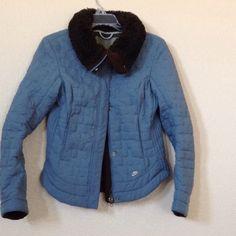 🛍 Nike jacket 🛍 Inside security pockets. Washable. Warm and lightweight. Nike Jackets & Coats