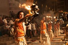 India is the country of festivals, where cultural, religious and location-based festivals are always being celebrated. Not a single week is passes without festivals in India. If you are planning to visit this amazing country, you should plan the India tour for October to March. Read the article to know why October to March is the Best time to visit in India and which festivals are celebrated during this timeframe.
