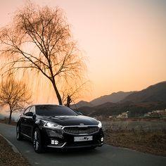 붉게 물든 #저녁 #노을 빛 아래에서 달리는 #기아자동차 #ALL_NEW_K7  #KIA #motors ALL NEW #K7 ( #Cadenza ) is speeding in the flames of #evening #glow   #car #sunset #black #lamp #grill #river #drive #spring #Korea #daily #드라이브 #저녁노을 #강가 #오로라블랙펄 #램프 #라디에이터그릴 #봄 #가평 #자동차 #자동차그램