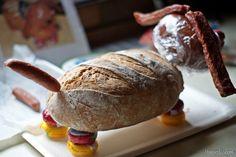 Kreative Geburtstags-Geschenkidee: Wurst Brot Hund