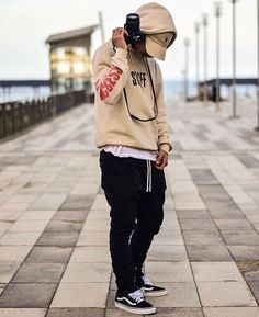 Streetwear Onizuka Daily Streetwear Outfits Tag to be featured DM for promotional requests Men's Fashion, High Fashion, Fashion Outfits, Tween Fashion, Men's Outfits, Fashion Black, Fashion Ideas, Vintage Fashion, Street Outfit