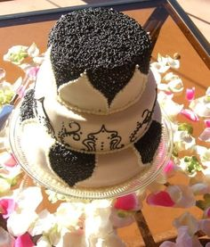 Spring time love Wedding Cakes | Patisserie Tillemont | Montreal - Google Search