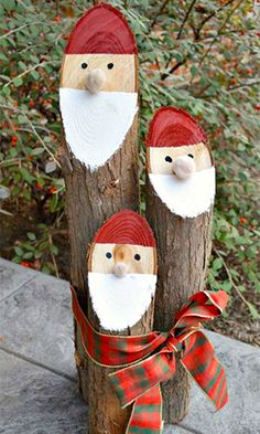Learn to Launch your Carpentry Business - décoration de jardin originale: Pères Noël en branches peintes Learn to Launch your Carpentry Business - Discover How You Can Start A Woodworking Business From Home Easily in 7 Days With NO Capital Needed! Noel Christmas, Christmas Projects, All Things Christmas, Winter Christmas, Holiday Crafts, Reindeer Christmas, Christmas Cookies, Christmas Porch, Wood Crafts For Christmas