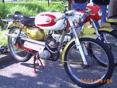 Eysink Record Motorcycle Images, Motorcycle Design, 50cc, Moto Guzzi, Classic Bikes, Vintage Cars, Harley Davidson, Amsterdam, Euro