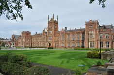 Queens University Queen's University, Belfast, Queens, Ireland, Louvre, Mansions, House Styles, Building, Travel