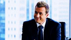 17 Harvey Specter Gifs Guarenteed To Make You Smile Trajes Harvey Specter, Harvey Specter Suits, Suits Harvey, Serie Suits, Suits Tv Series, Suits Tv Shows, Gabriel Macht, Your Smile, Make You Smile