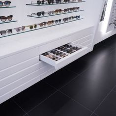 Display Design, Store Design, Optometry Office, Eyeglass Stores, Optical Shop, Layout, Decoration, Room Decor, Interior Design