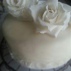 """6"""" Wedding cake, gumpaste roses"""