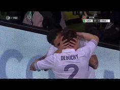 """El """"beso francés"""" de Giroud y Debuchy    Hay jugadores que hoy se hacen famosos más por su forma de celebrar sus anotaciones que por su desempeño, o el de todo su equipo completo.    Ahí está el caso de Olivier Giroud y Mathieu Debuchy de la Selección Francesa de Futbol, quienes simplemente celebraron con un beso el 1-0 sobre sobre la Selección Alemana de Futbol en partido amistoso y le dieron vuelta al mundo por su forma de celebrarlo, más que por el buen desempeño."""