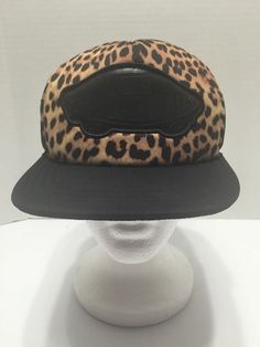14d890f8fea Vans Off The Wall Leopard Mesh Snapback Black Baseball Cap Hat One Size
