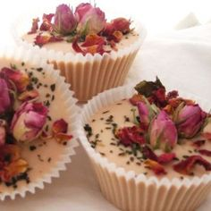 Good idea for packaging bath truffles. Roses (pinned from) Packaging idea (Robin)