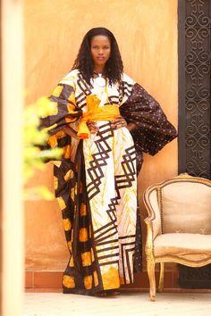 Une robe du styliste Alphadi, un reportage photo signé United Fashion for Peace photographe Stéphane Tourné, lieu la Villa Racine à Dakar pendant la 10ème Dakar Fashion week juin 2012