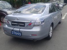Toyota Camry Hybrid, driven on 9 October 2010     http://choxeviet.com/Cho-oto.aspx  http://choxeviet.com/toyota/-i10/camry-j55.aspx