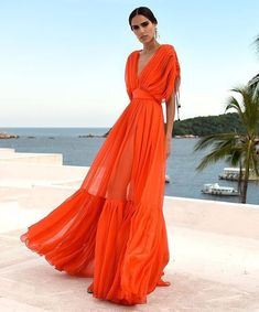 Orange dress for summer nights Black Dress Outfits, Casual Dresses, Maxi Dresses, Vegas Outfits, Club Outfits, Club Dresses, Long Dresses, Cute Summer Outfits, Summer Dresses