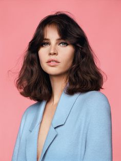 "alasdair-mclellan: "" Vogue UK February 2014 ""Meet Miss Jones"" Model/Star: Felicity Jones Stylist: Francesca Burns "" Hair Inspo, Hair Inspiration, Character Inspiration, Story Inspiration, Grunge Hair, Hairstyles With Bangs, Straight Hairstyles, Wave Hairstyles, Medium Hairstyles"