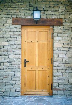 rusztikus bejárati ajtó és álgerenda, öregített tölgyfából, viaszos…