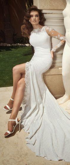 Very beautiful wedding dress!!!