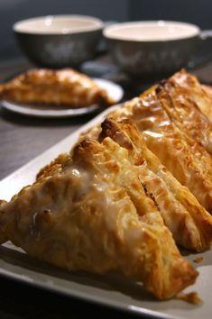Rożki francuskie z jabłkami   Moje Wypieki Cookies, Sweet, Recipes, Food, Asia, Sweet Buffet, Crack Crackers, Candy, Biscuits