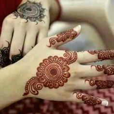 Simple And Easy Mehndi Designs Collection 2019 Henna Hand Designs, Dulhan Mehndi Designs, Round Mehndi Design, Mehndi Designs Finger, Henna Tattoo Designs Simple, Legs Mehndi Design, Mehndi Designs For Beginners, Modern Mehndi Designs, Mehndi Design Photos