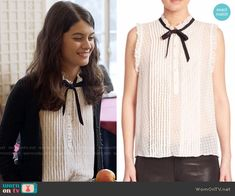 Sabrina's white pleated top with tie neck on The Mick. Outfit Details: https://wornontv.net/65581/ #TheMick